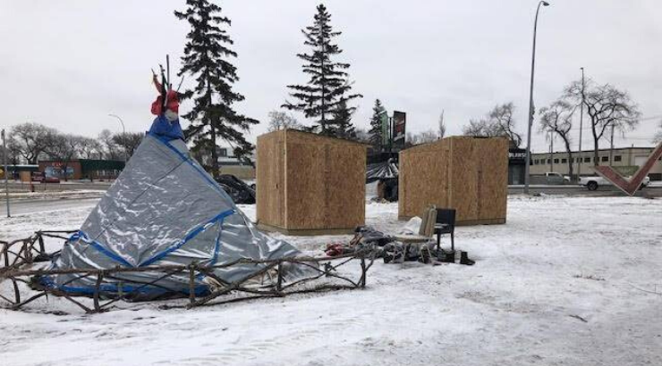 Police Destroy Shelters for Homeless Vets in Freezing Winnipeg Without Warning