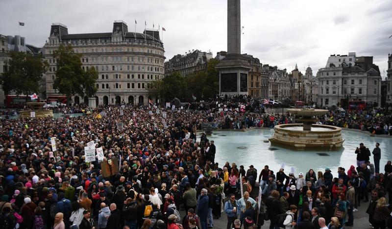 """""""We Do Not Consent"""" – 1000s Rally In London To Oppose Another COVID-19 Lockdown"""